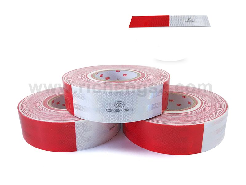 3M™ Diamond Grade™ Conspicuity Markings Series 983D
